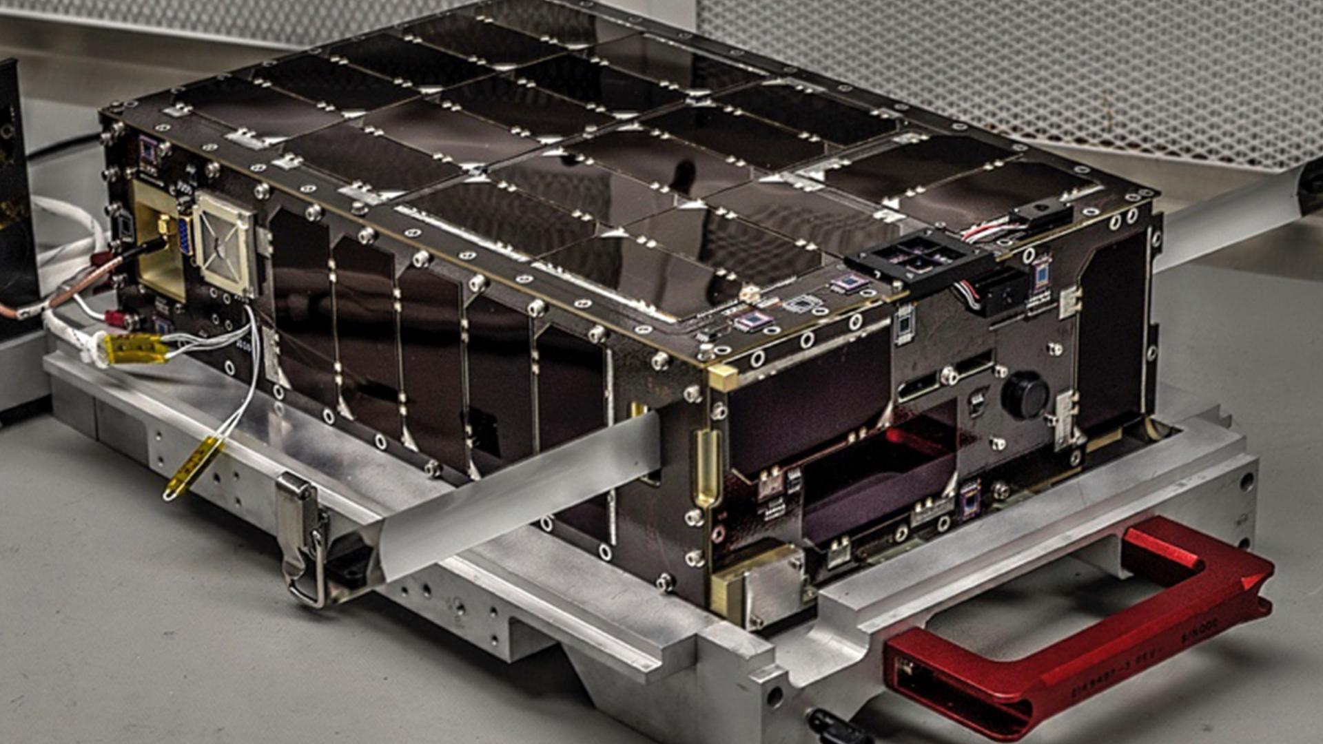NASA Goddard's 6U Dellingr CubeSat